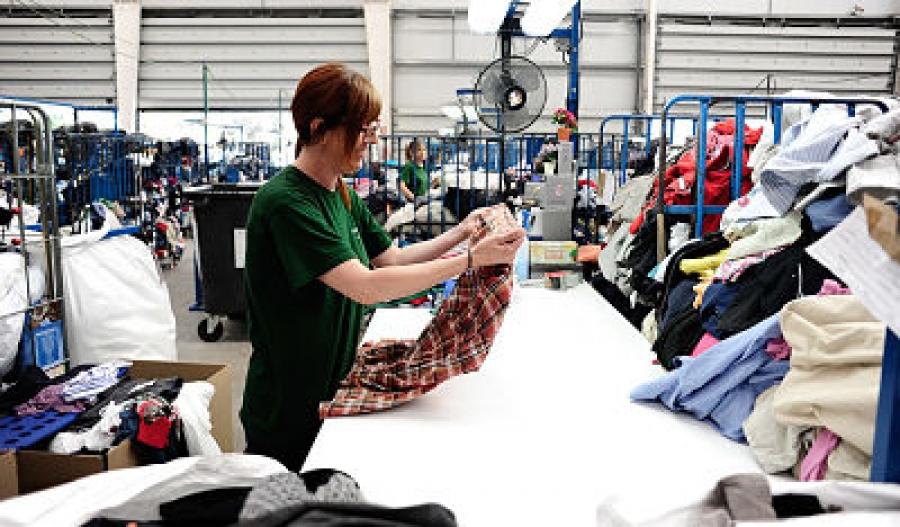 Recogida de ropa usada en lucena
